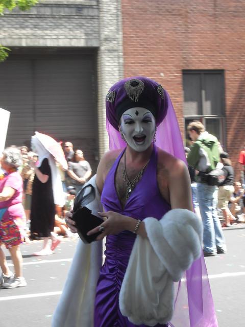 Seattle Gay Pride 2009 157. VLUU L200 / Samsung L200