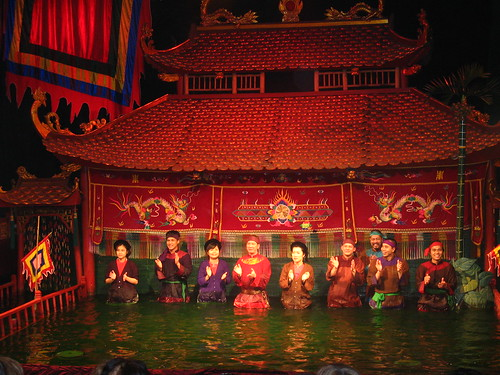 Water puppeteers take a bow