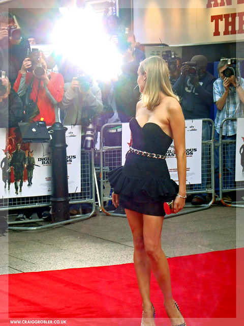 Inglourious Basterds UK Premiere - On the Red Carpet Diane Kruger