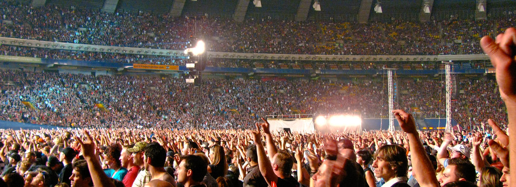 Ac Dc Concert Crowd Montreal 53 000 And Counting Flickr Photo Sharing