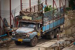 Old Isuzu 6-Wheeler Truck