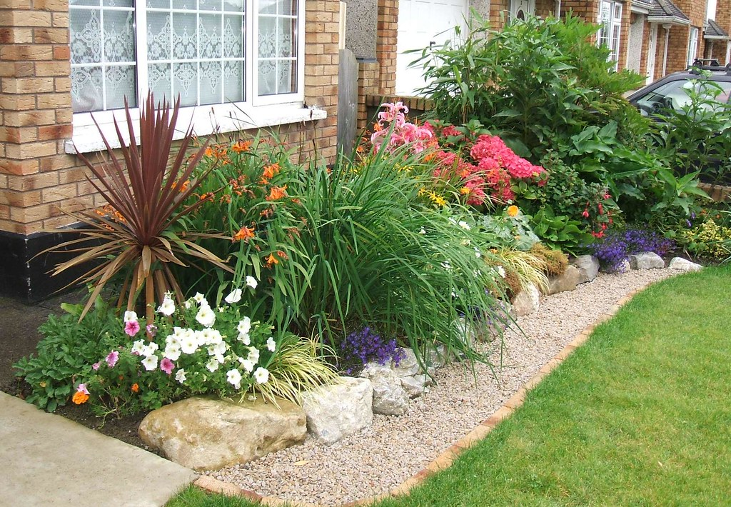 Revamped front garden - new mixed boarder