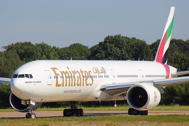 Emirates - B773 - A6-EGV (2)