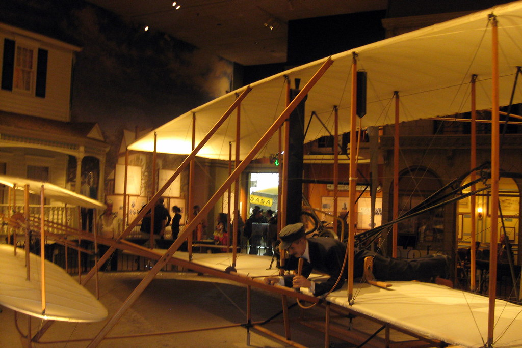 Washington DC: National Air and Space Museum - 1903 Wright Flyer