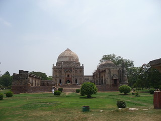 Jog along with Delhi at Lodhi Garden - Things to do in New Delhi