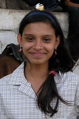Retrato de una joven muy bonita con una sonrisa grande - Portrait of a pretty girl with a huge smile; Jinotega, Nicaragua