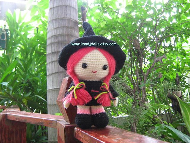 Tutorial Amigurumi Bruja Witch : Jazzy the witch, Amigurumi pattern for Halloween - a photo ...