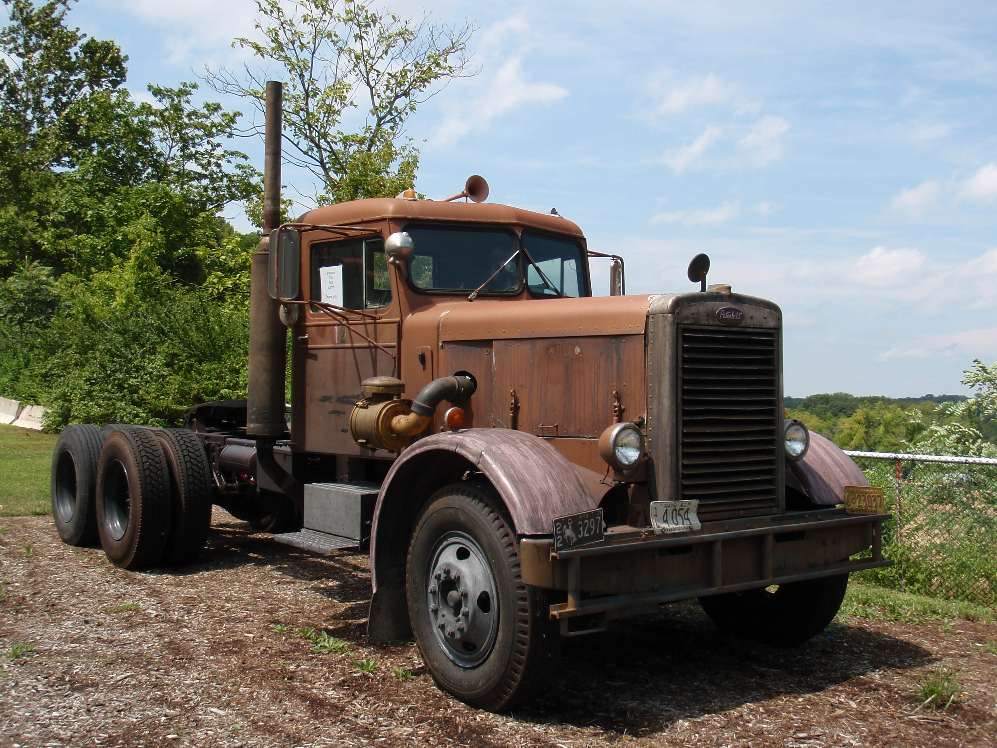 pics of vintage semis and heavy trucks i may be looking for one too great lakes 4x4 the. Black Bedroom Furniture Sets. Home Design Ideas