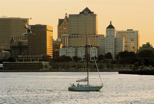 downtown Milwaukee (by: Dan Mullen, creative commons)