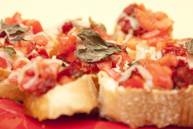 Double Tomato Bruschetta | Made with sundried and fresh toma ...