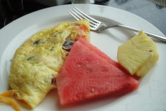 omurice(0.0), fish(0.0), plant(0.0), produce(0.0), breakfast(1.0), fruit(1.0), food(1.0), dish(1.0), cuisine(1.0), omelette(1.0),