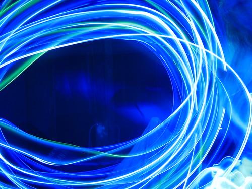 fasci di luce led blu