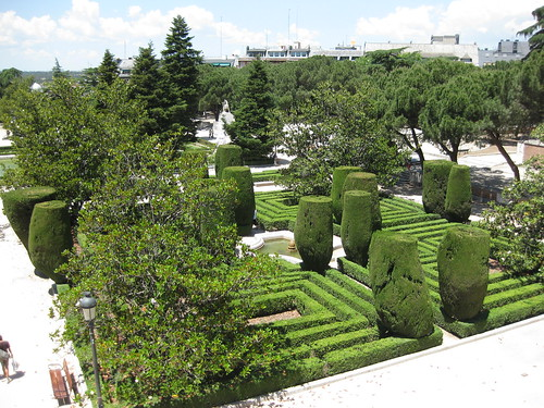 Discovering spain the most beautiful parks and gardens of - Garden center madrid ...