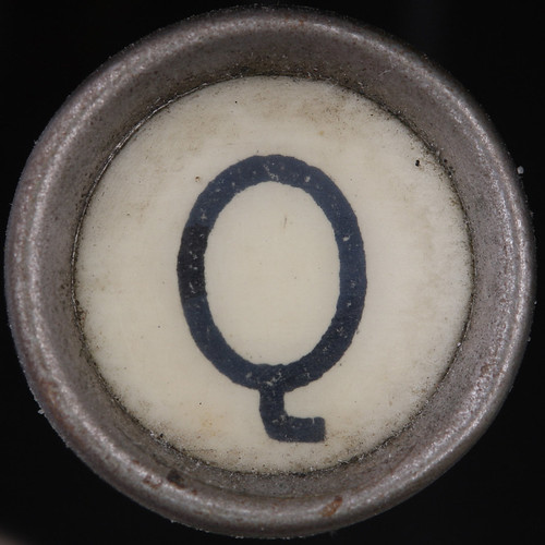 typewriter key letter Q  by Leo Reynolds