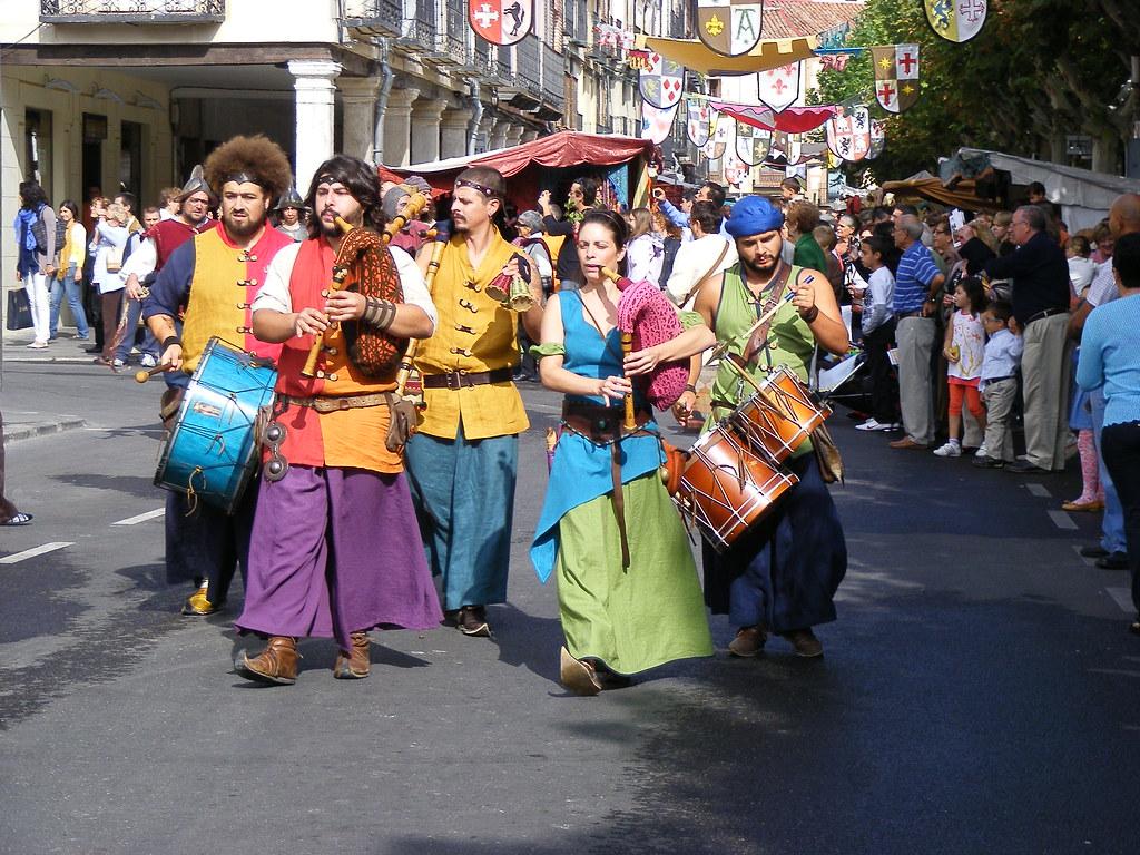 Músicos en el Mercado Medieval de Alcalá de Henares