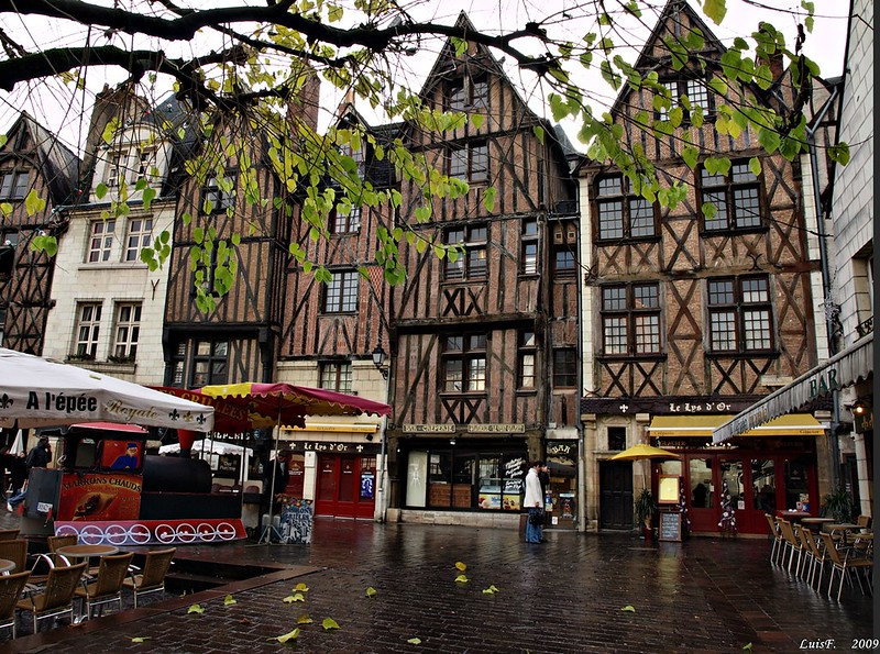 Tours Old Town Tours France SpottingHistorycom - Tours france