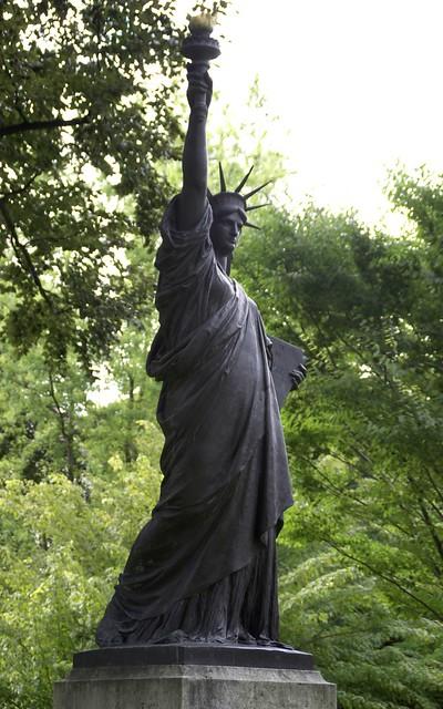Paris jardin du luxembourg freiheitsstatue statue of - Jardin du luxembourg statue of liberty ...