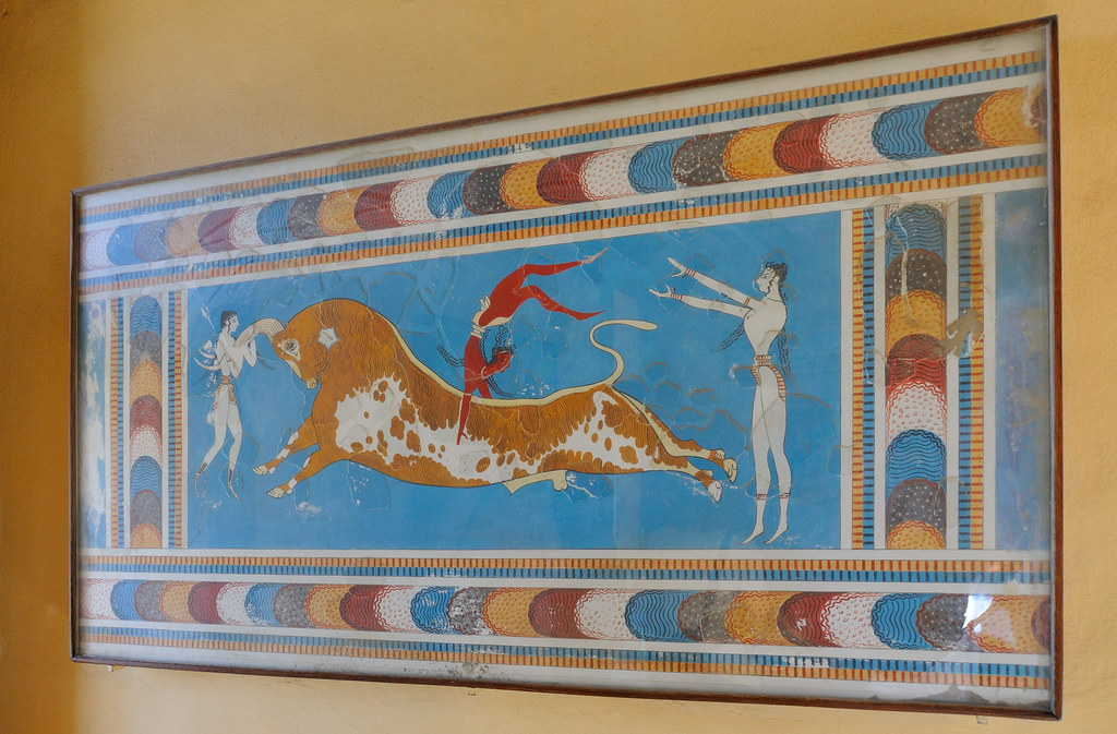 0459-20091003_Crete-Palace of Knossos-Room with the Frescoes-the 'Bull-leaping' Fresco