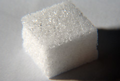 hand(0.0), sodium chloride(1.0), white(1.0),