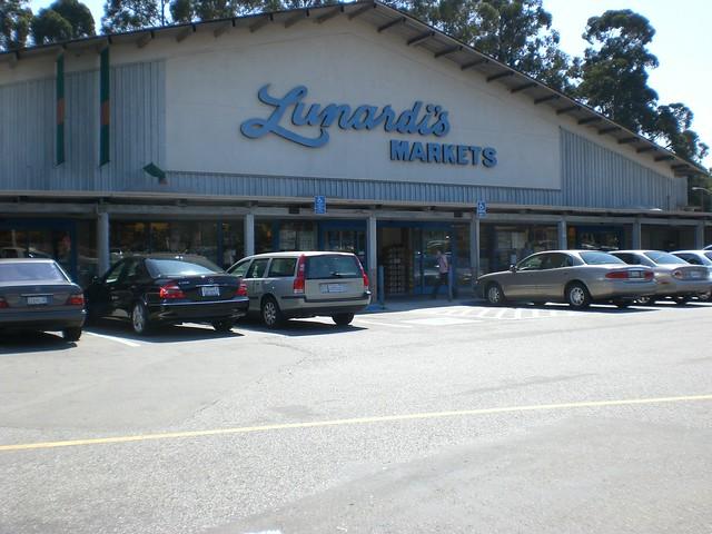Carlmont Shopping Center New Restaurant