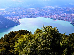 2009 7 6 Lanzo d'Intelvi, Lugano vista dalla Sighignola 0459