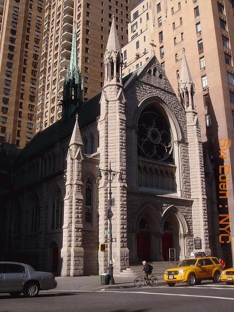 Church in Manhattan โบสถ์คาทอลิคสมัยก่อน