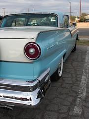 automobile, automotive exterior, pontiac chieftain, vehicle, full-size car, antique car, sedan, land vehicle, luxury vehicle,