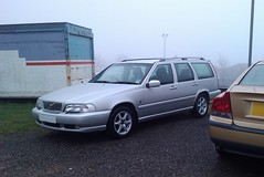 executive car(0.0), volvo s70(0.0), compact car(0.0), automobile(1.0), automotive exterior(1.0), family car(1.0), vehicle(1.0), volvo v70(1.0), bumper(1.0), volvo cars(1.0), sedan(1.0), land vehicle(1.0), luxury vehicle(1.0),
