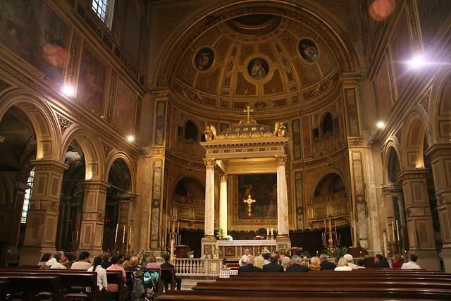 San Lorenzo in Damaso, interior