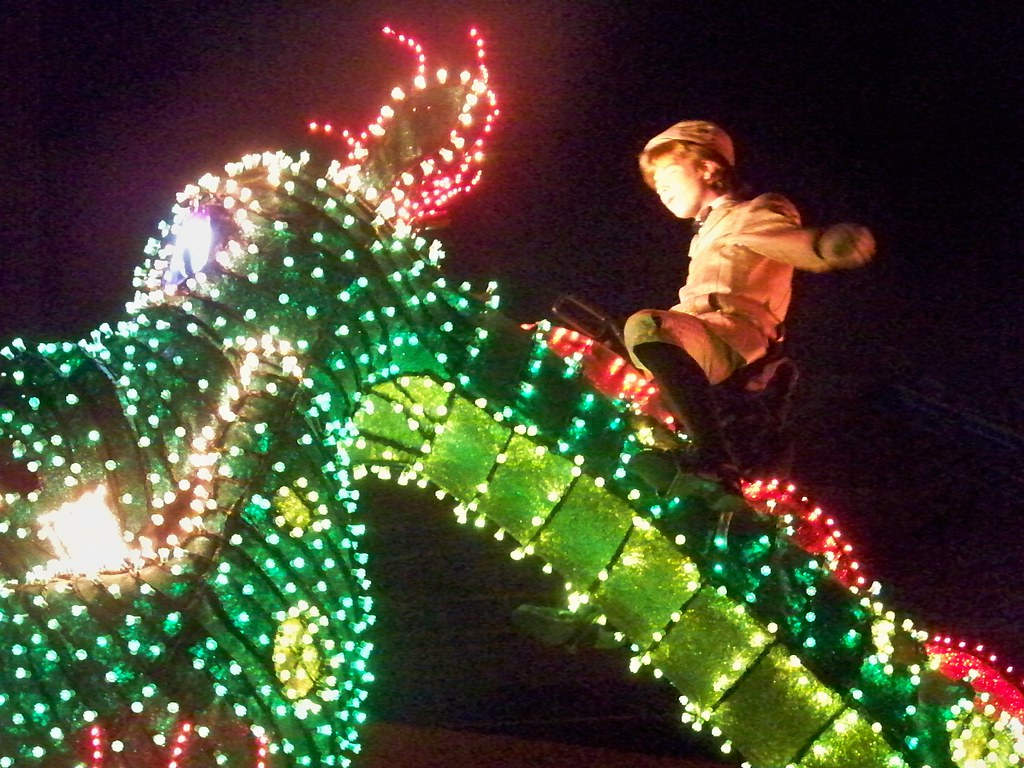 Pete's Dragon in Disney's Electric Parade