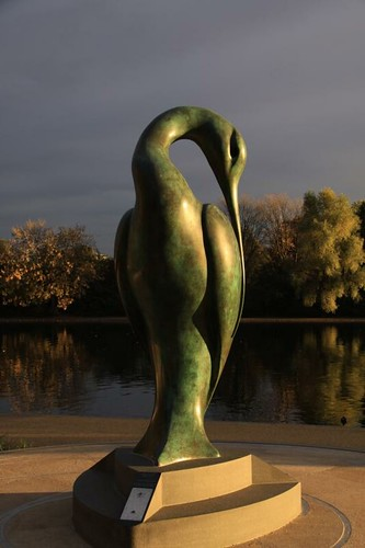 2009-10-15-(277) London Hyde Park Ibis Statue (Isis) Dawn