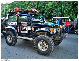 Borneo Safari 2009 Flag off - Suzuki 4x4 SJ offroad