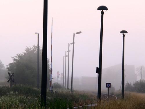 railroad mist lamp germany dawn lampe track village thuringia railwaystation lamppost veilsdorf