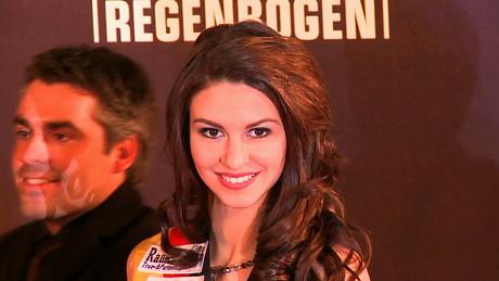 Radio regenbogen award 2009 red carpet german video on for Hans dieter heck