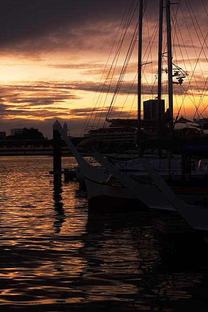 Crowded Heritage Bay Dock (DSC0212)