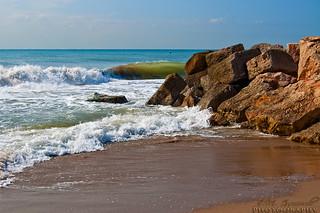 Imagen de Platja de Viladecans. sea sky españa water rock geotagged sand wave esp castelldefels gavà cataluna geo:lat=4127057300 geo:lon=204855860