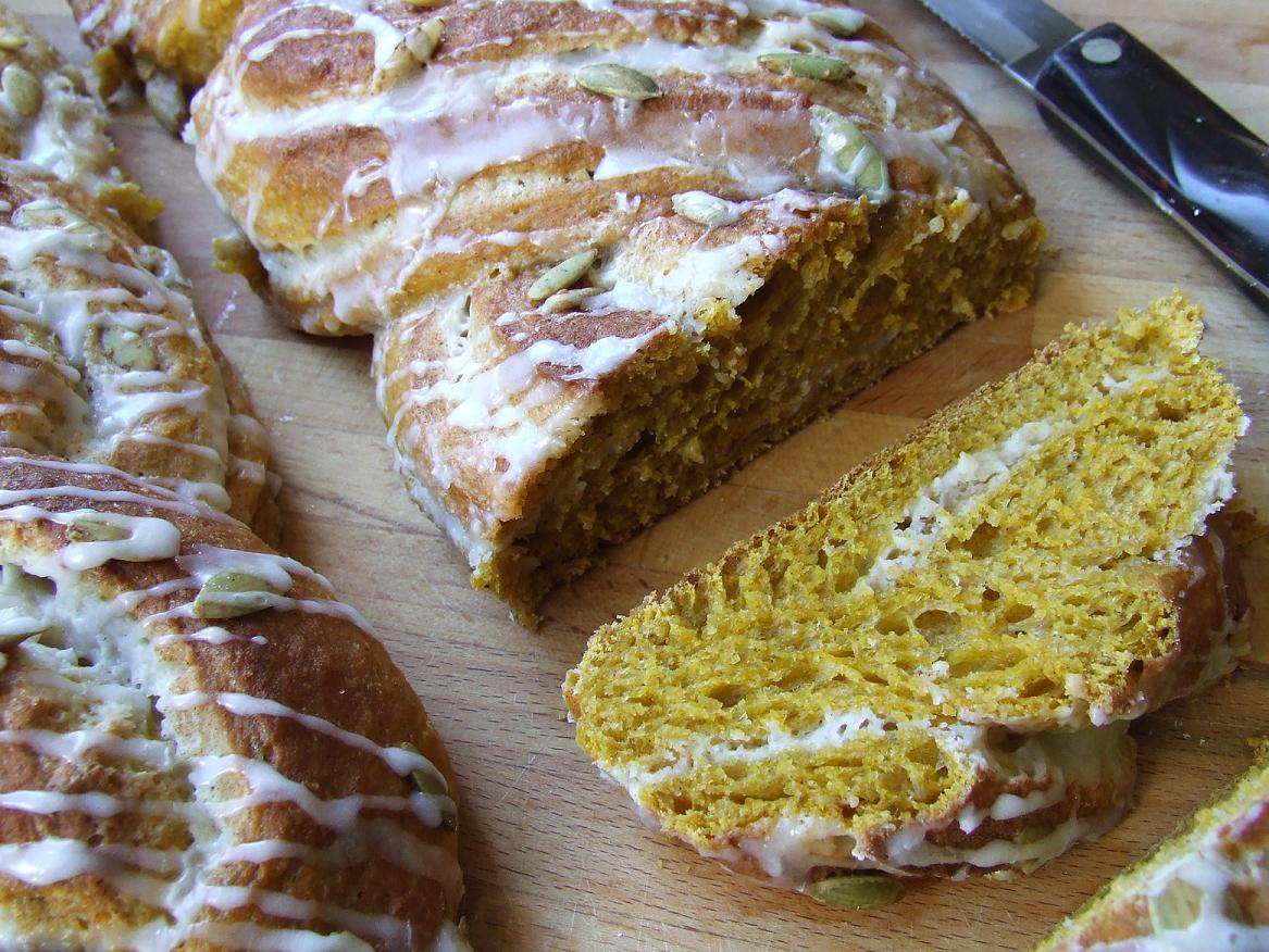 Bread over heels pumpkin pie brioche with a twist for Pumpkin pie with a twist