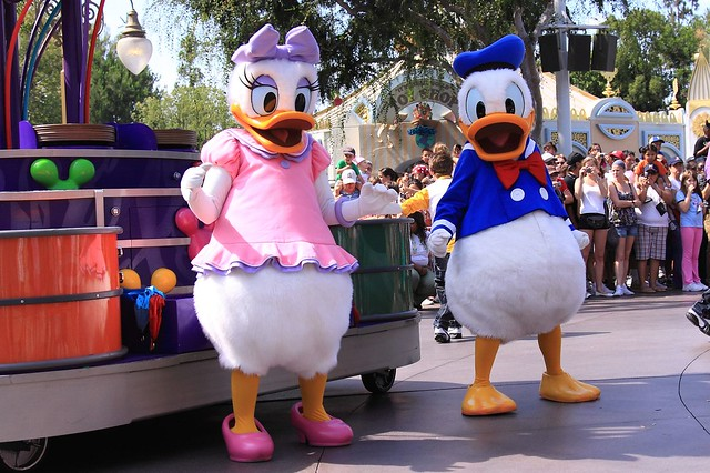 Daisy Duck Party Decorations
