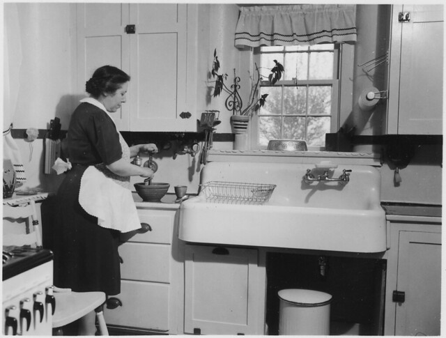 Woman Cooking In A Kitchen Flickr Photo Sharing