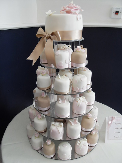 Miniature wedding cakes Miniatures designed in 4 different designs and
