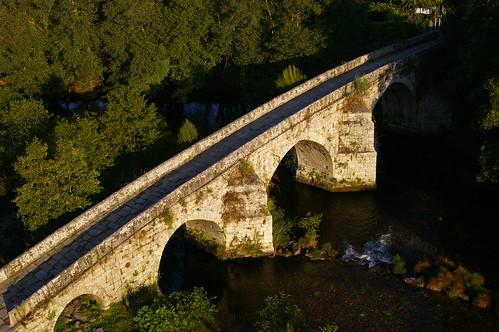 Puente Cernadela sobre el río Tea en Mondariz