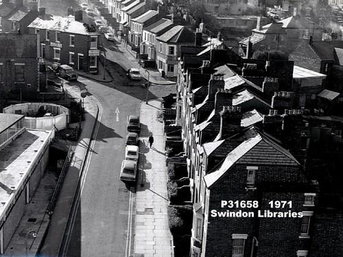 1971: Rolleston Street, Swindon - looking towards the Beehive