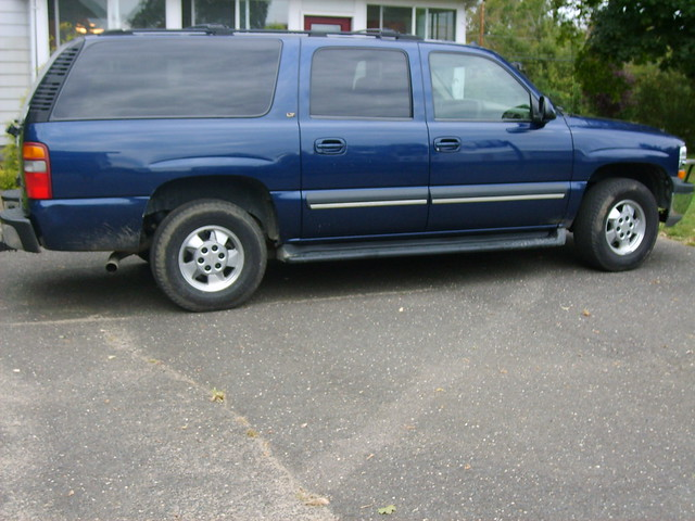 2003 Chevy Suburban 2500 V8 Limited Edition 08535