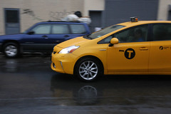 automobile(1.0), automotive exterior(1.0), vehicle(1.0), toyota prius(1.0), land vehicle(1.0), hatchback(1.0),