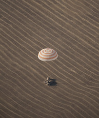 Expedition 20 Landing (200910110001HQ) (explored)