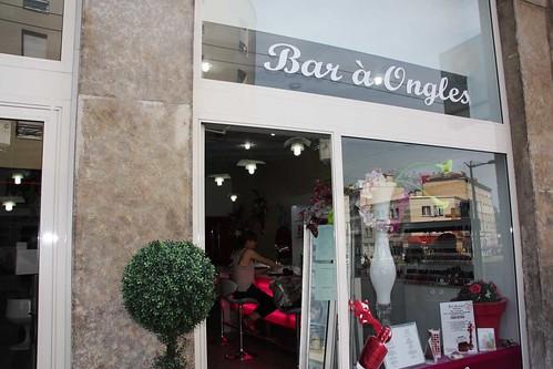 Bon plan lyonnais le 1er bar ongles ouvre ses portes - Ongle coince dans une porte que faire ...