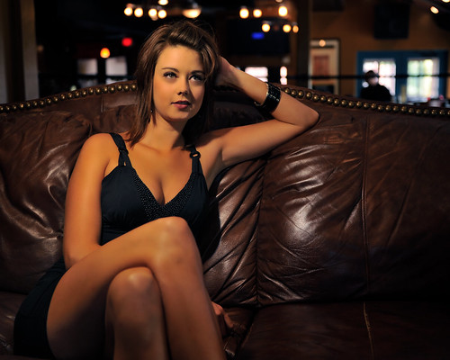 woman sexy couch brunette kpa pasorobles strobist modelmayhem downtownbrewingcompany nikond700 nikonsb900 illusivephotographycom antipordaphotographycom toreynicole