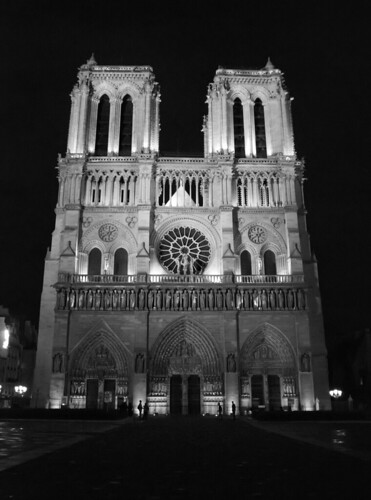 3 September 2009 - 4:38pm - Notre Dame at night
