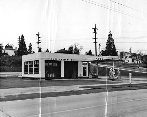 McDonald's Shell station, 1949