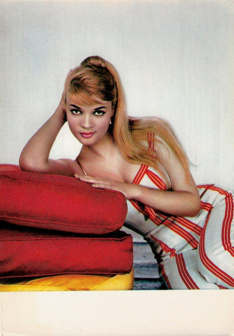 Agnes Laurent Nude Photos 68